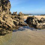 Spanien Küstenweg Jakobsweg Strand und Felsen